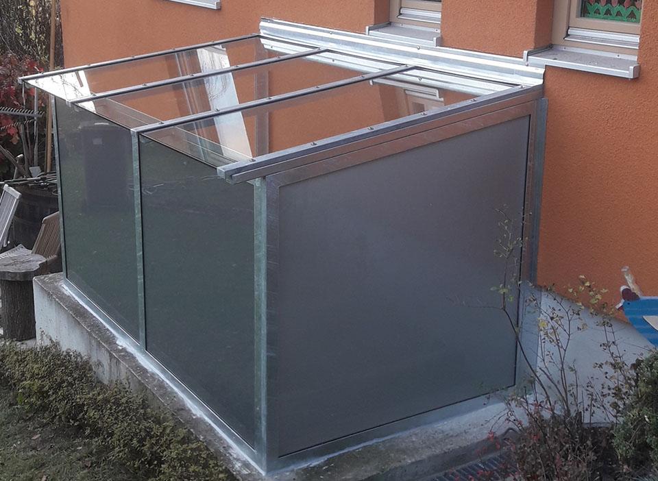 Einhausung-Glas